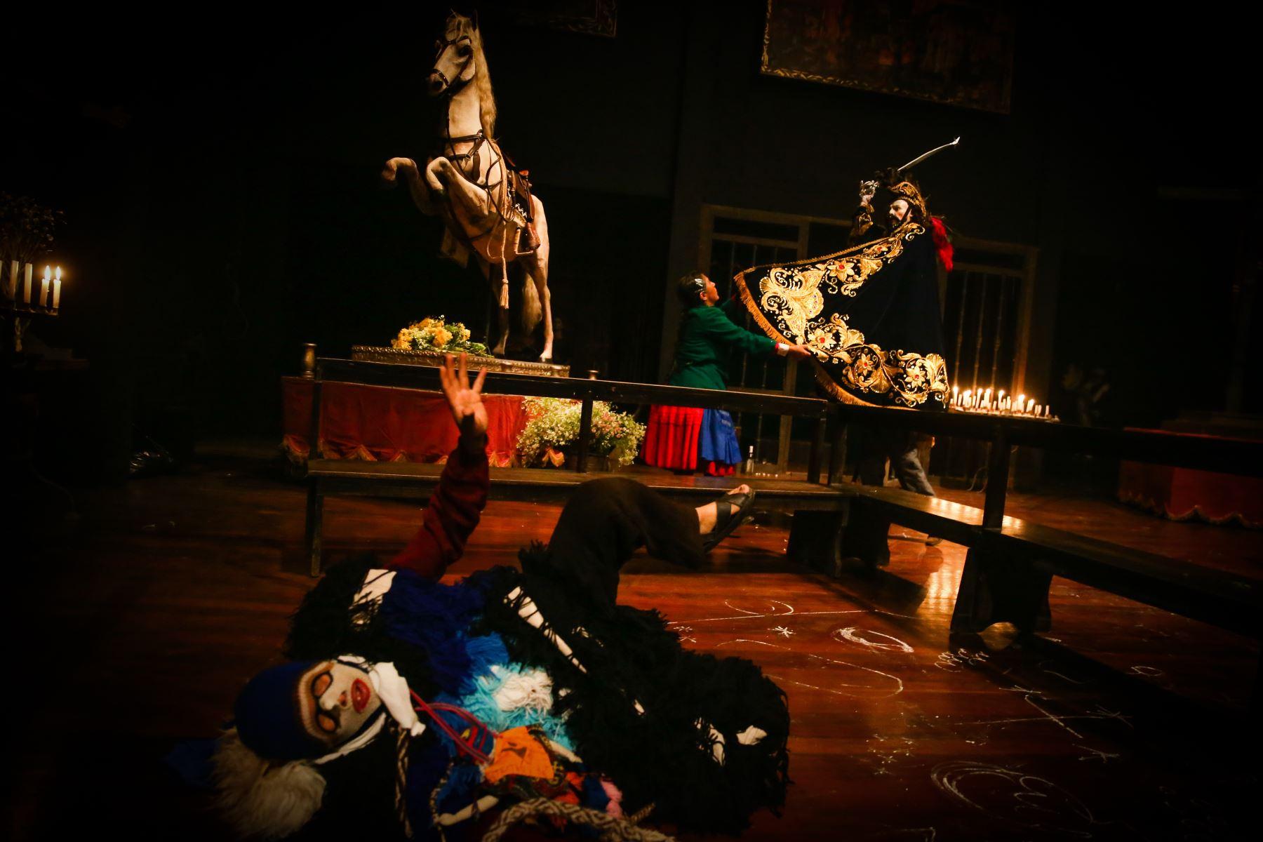 """Ensayo general de la obra """"Santiago"""", creación colectiva del grupo teatral Yuyachkani. Foto: ANDINA/Vidal Tarqui"""