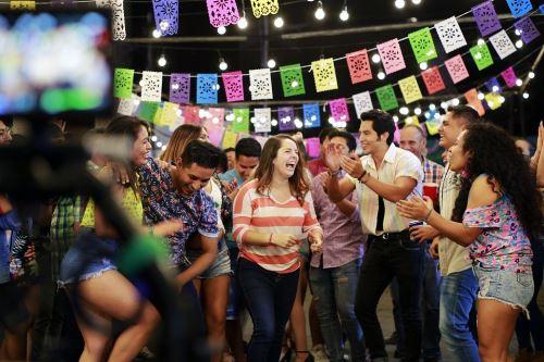 """Lanzan adelanto de película peruana """"Sí, mi amor""""."""