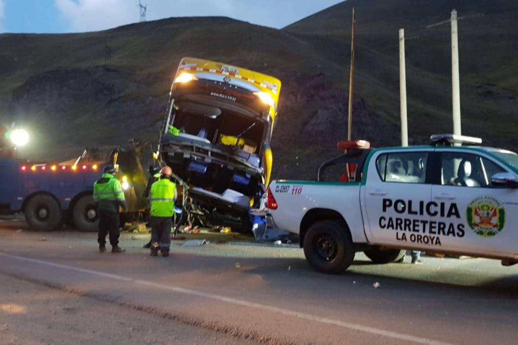 Identifican a los heridos del accidente en la carretera Central que deja cinco muertos.