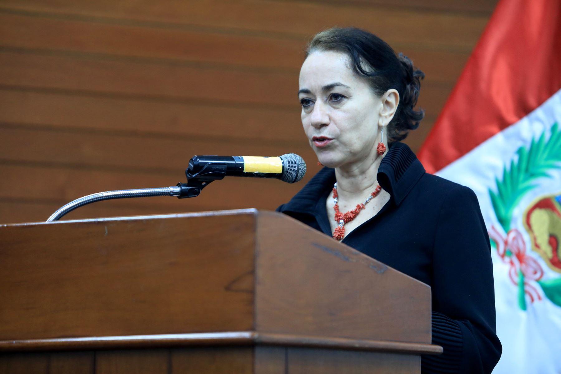 Ministra de Justicia y Derechos Humanos, Ana Revilla.