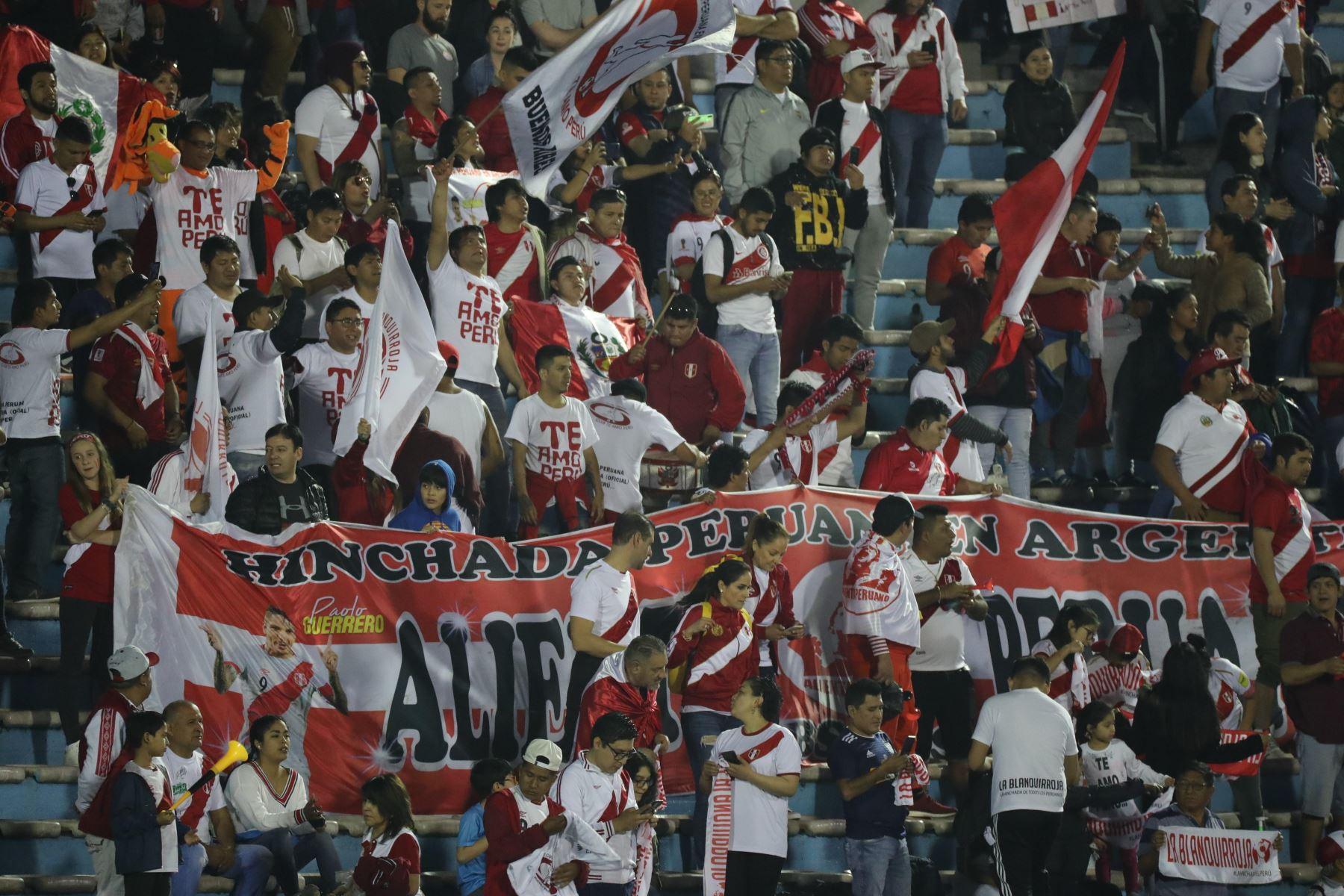 Perú vs. Uruguay juegan amistoso en estadio Centenario de Montevideo. Foto: EFE
