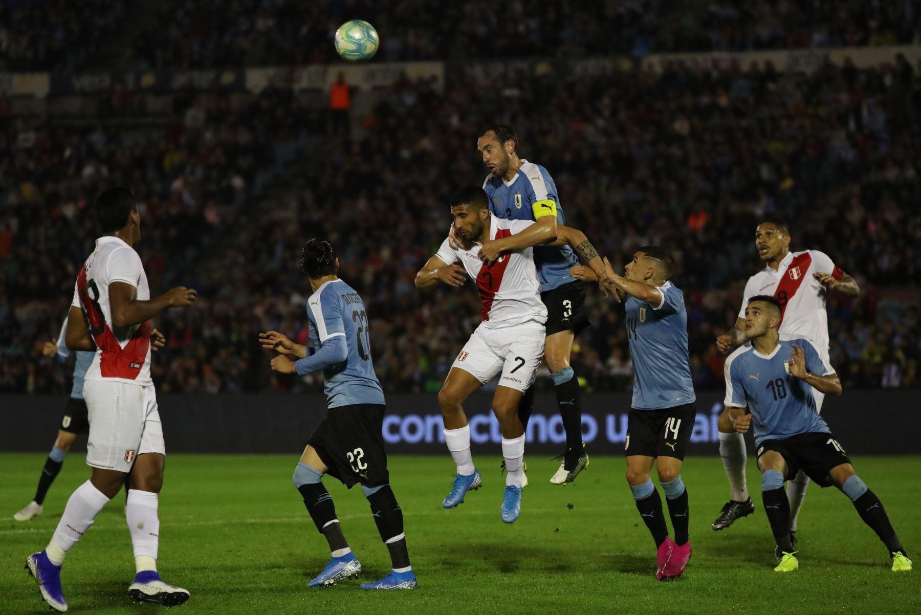 Perú vs. Uruguay se enfrentan en amistoso. Foto: EFE