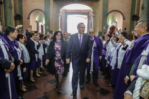 Presidente Martín Vizcarra acude a misa en iglesia Las Nazarenas