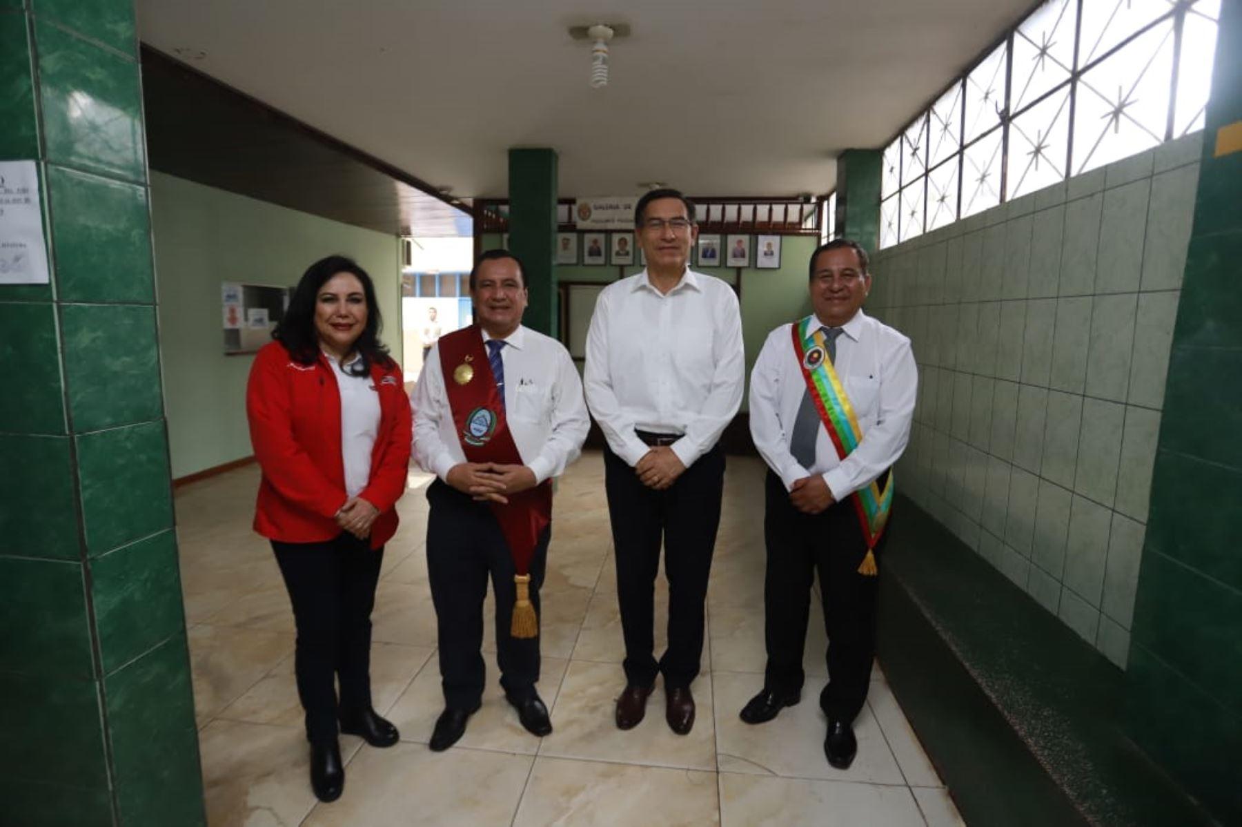 Jefe de Estado Martín Vizcarra se en encuentra en Pucallpa, región Ucayali, para participar en el aniversario de la ciudad y clausurar el I Congreso de Alcaldesas del Bicentenario. Foto: ANDINA/Prensa Presidencia