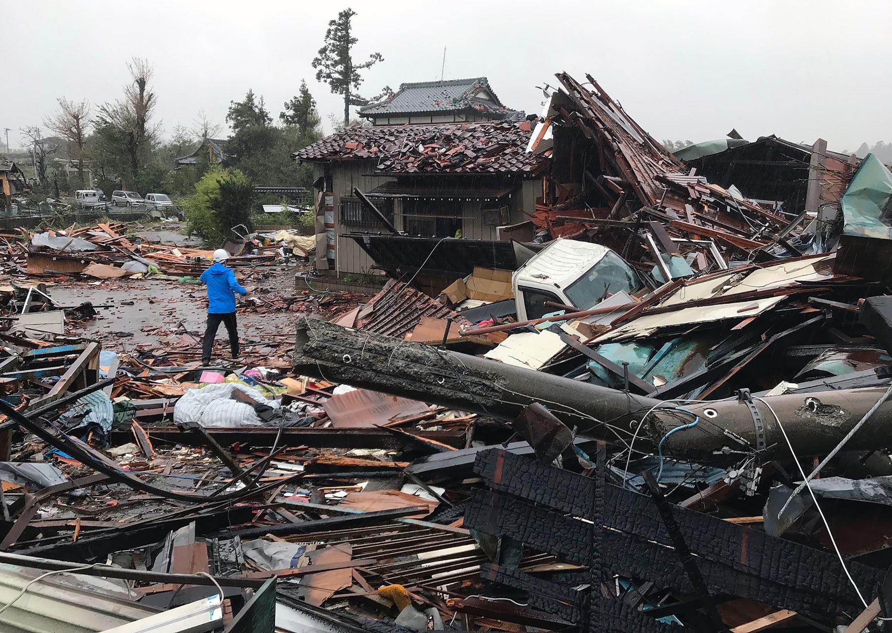 Casas dañadas causadas por los patrones climáticos del tifón Hagibis en Ichihara, Japón. Foto: AFP
