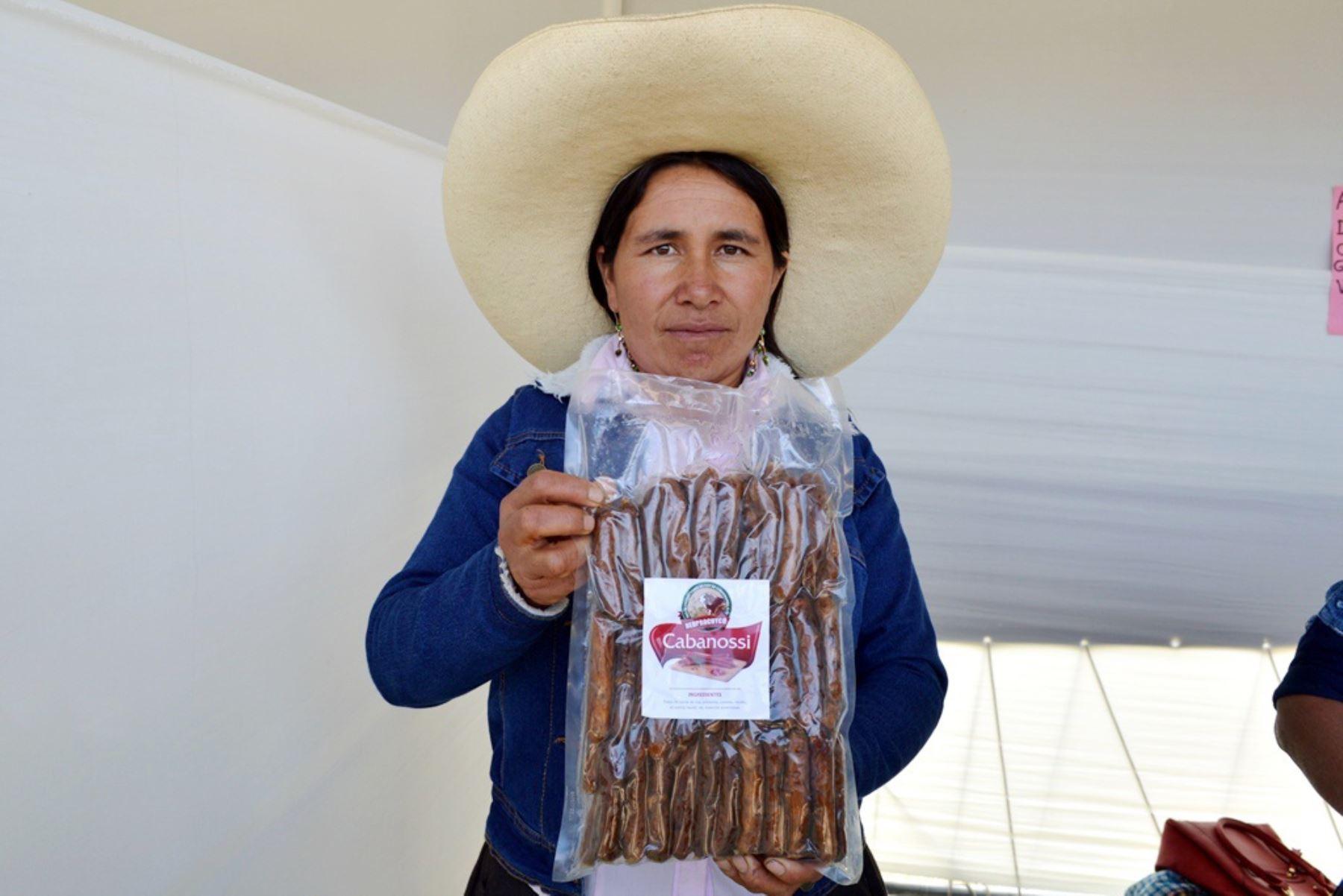 Productores del distrito de Condebamba (Cajamarca) elaboran cabanossi de cuy, con el propósito de contribuir a reducir la anemia. Foto: ANDINA/Eduard Lozano