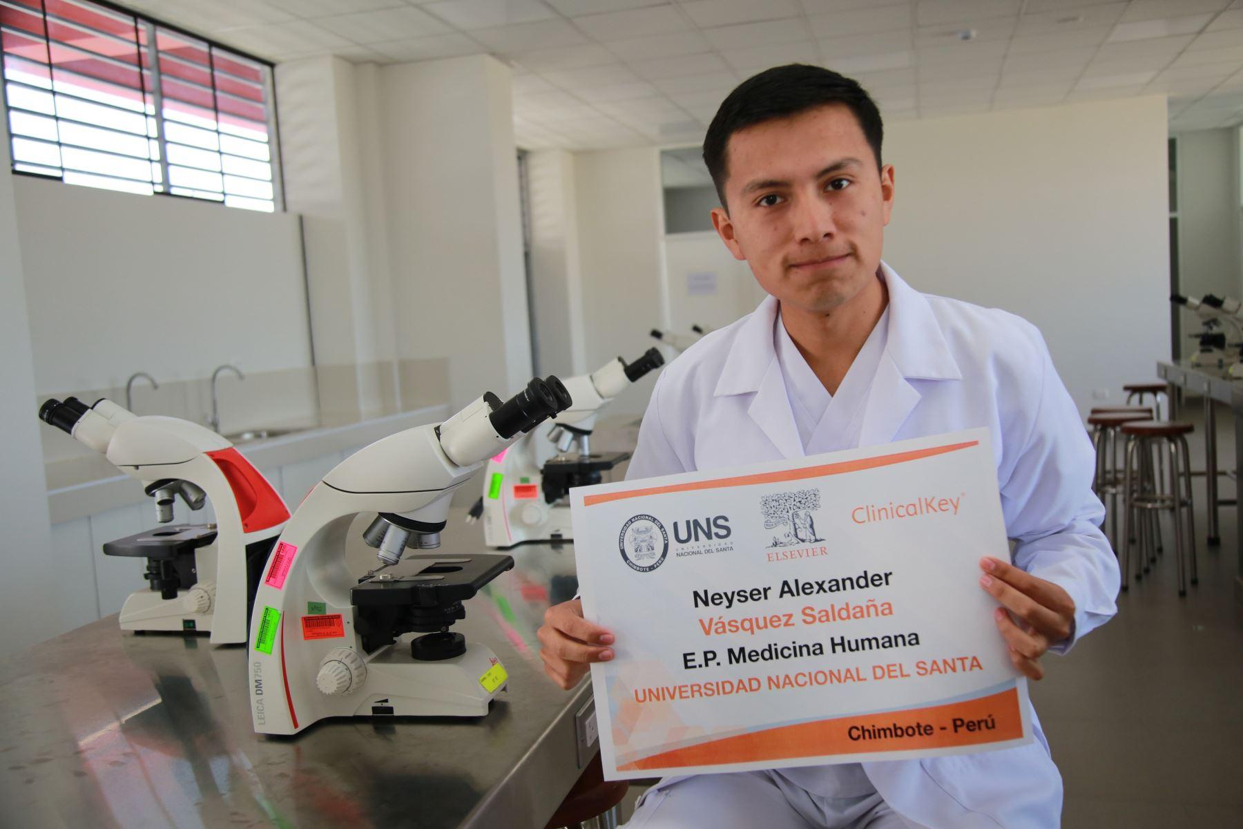 Alexander Vásquez, estudiante peruano es finalista en concurso que elige a los mejores estudiantes de medicina del mundo. Foto: ANDINA