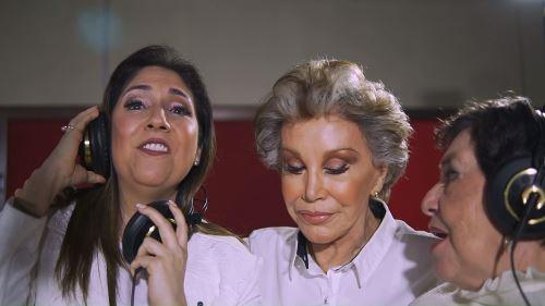 Cecilia Bracamonte en la grabación de tema que lucha para combatir el cáncer de mama.