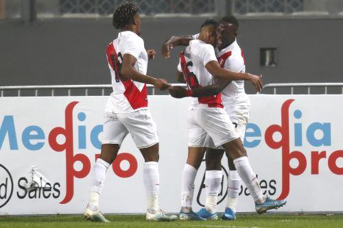 Perú vence 1-0 a Uruguay en el Nacional (Primer tiempo)