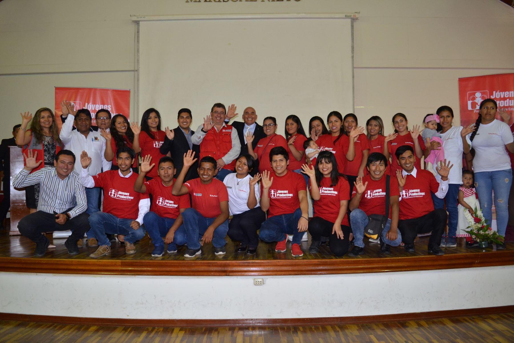 30 jóvenes de Moquegua reciben equipos y herramientas del programa Jóvenes Productivos para desarrollar autoempleo. ANDINA/Difusión