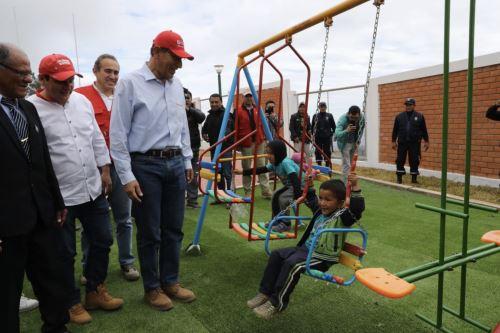Presidente Vizcarra, inauguró obras de mejoramiento en IE Miguel Grau de Huarmaca-Piura