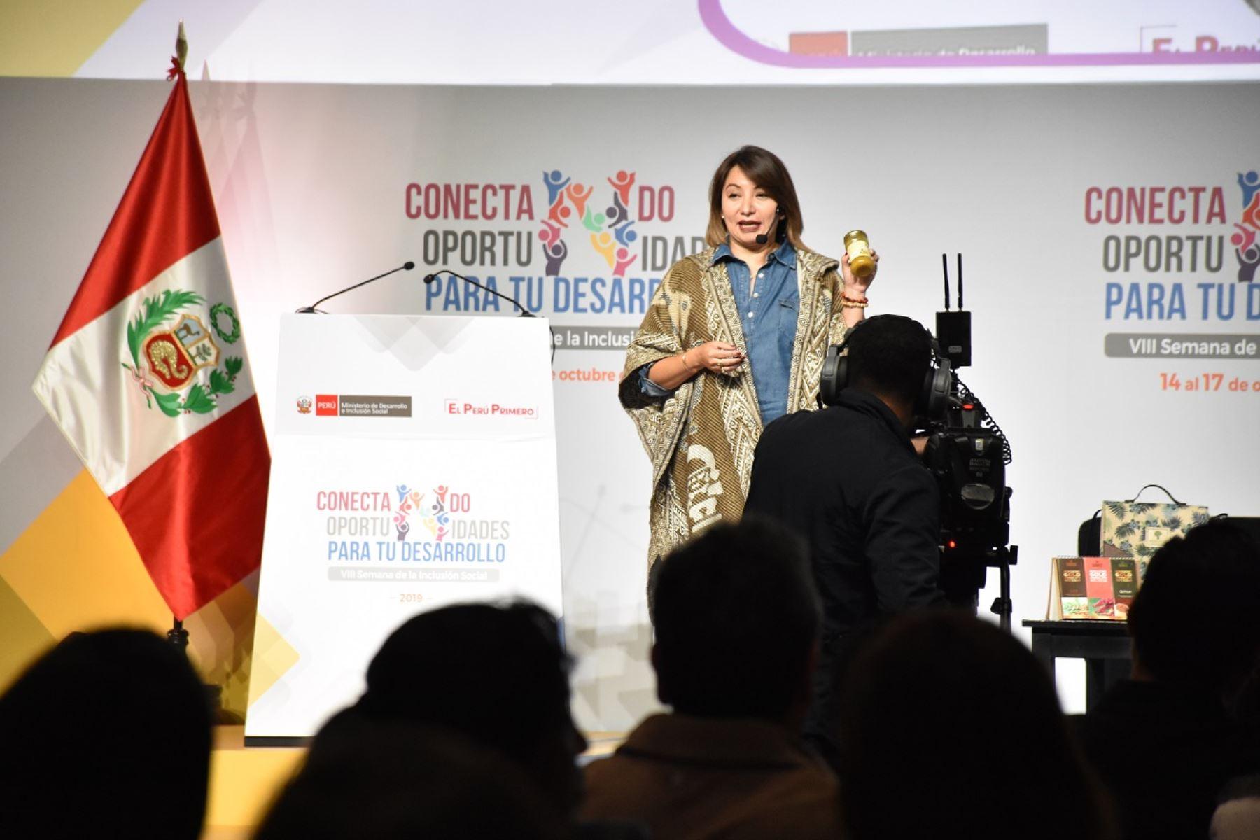 Ministra de la Producción, Rocío Barrios. en la VIII Semana de la Inclusión Social 2019. Foto: Cortesía.