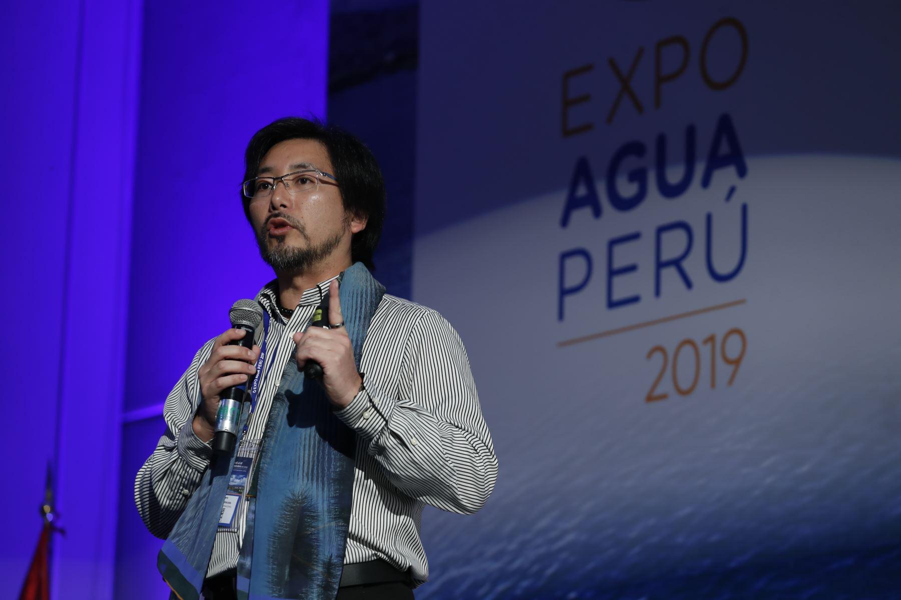 El reconocido científico, Marino Morikawa Sakura, expone durante clausura de Expo Agua Perú 2019. Foto: ANDINA/Renato Pajuelo