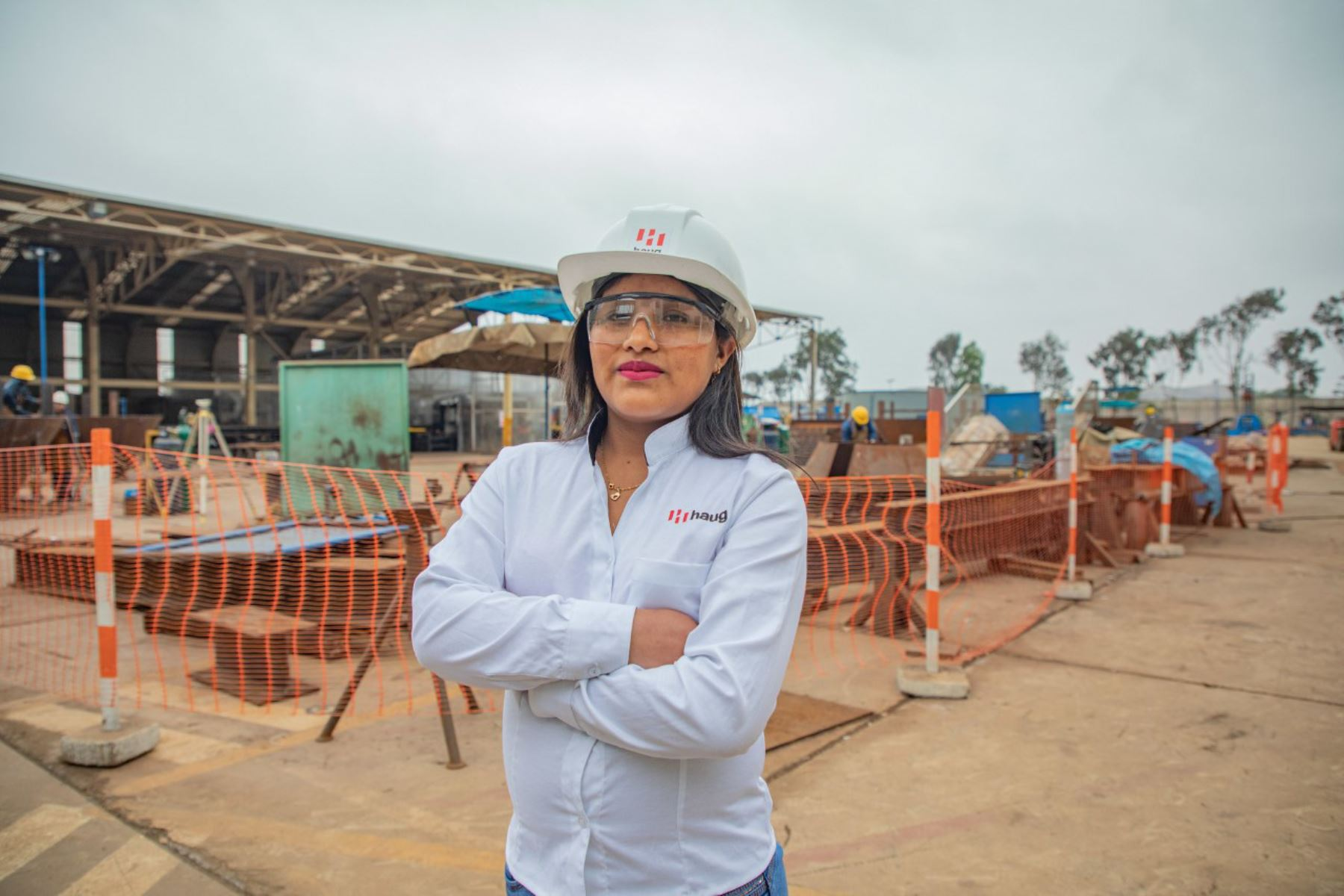Maricruz Quispe Soca, huancavelicana beneficiaria de Beca 18 que destaca en la industria metalmecánica.