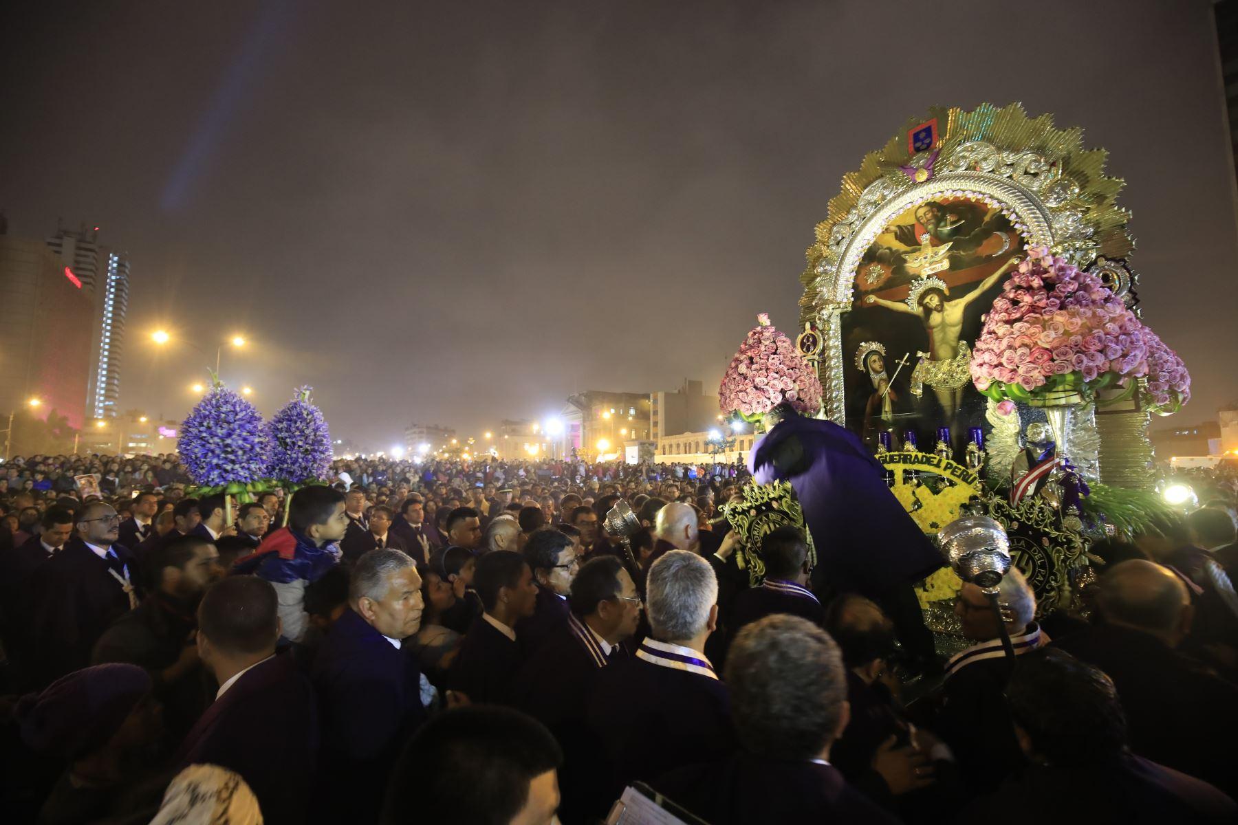 Procesión del Señor de los Milagros  Foto: ANDINA/Juan Carlos Guzmán Negrini.
