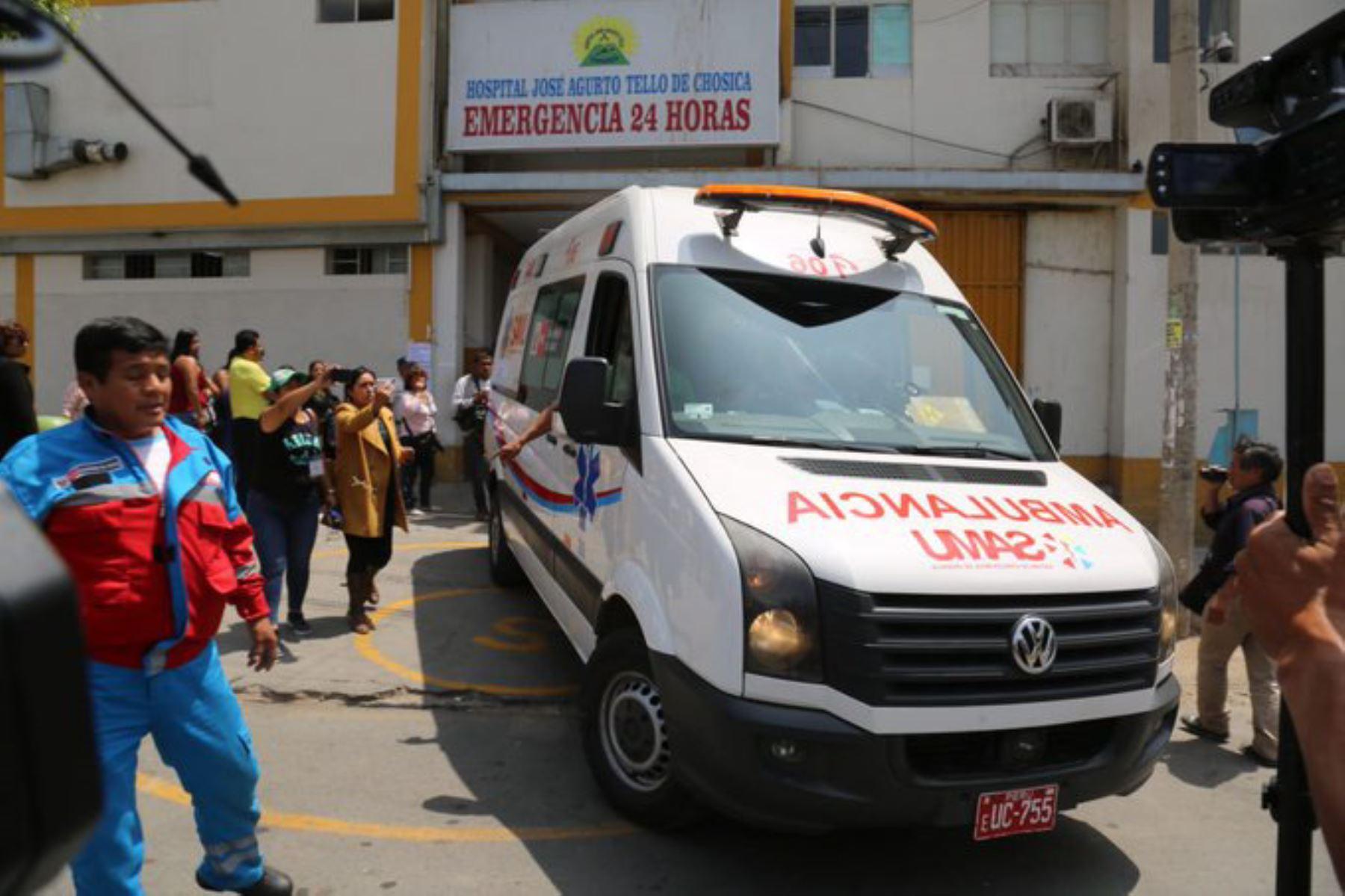 Esta madrugada, un vehículo con escolares se despistó y cayó a un abismo en el kilómetro 103 de la carretera Central en Chicla, provincia de Huarochirí.