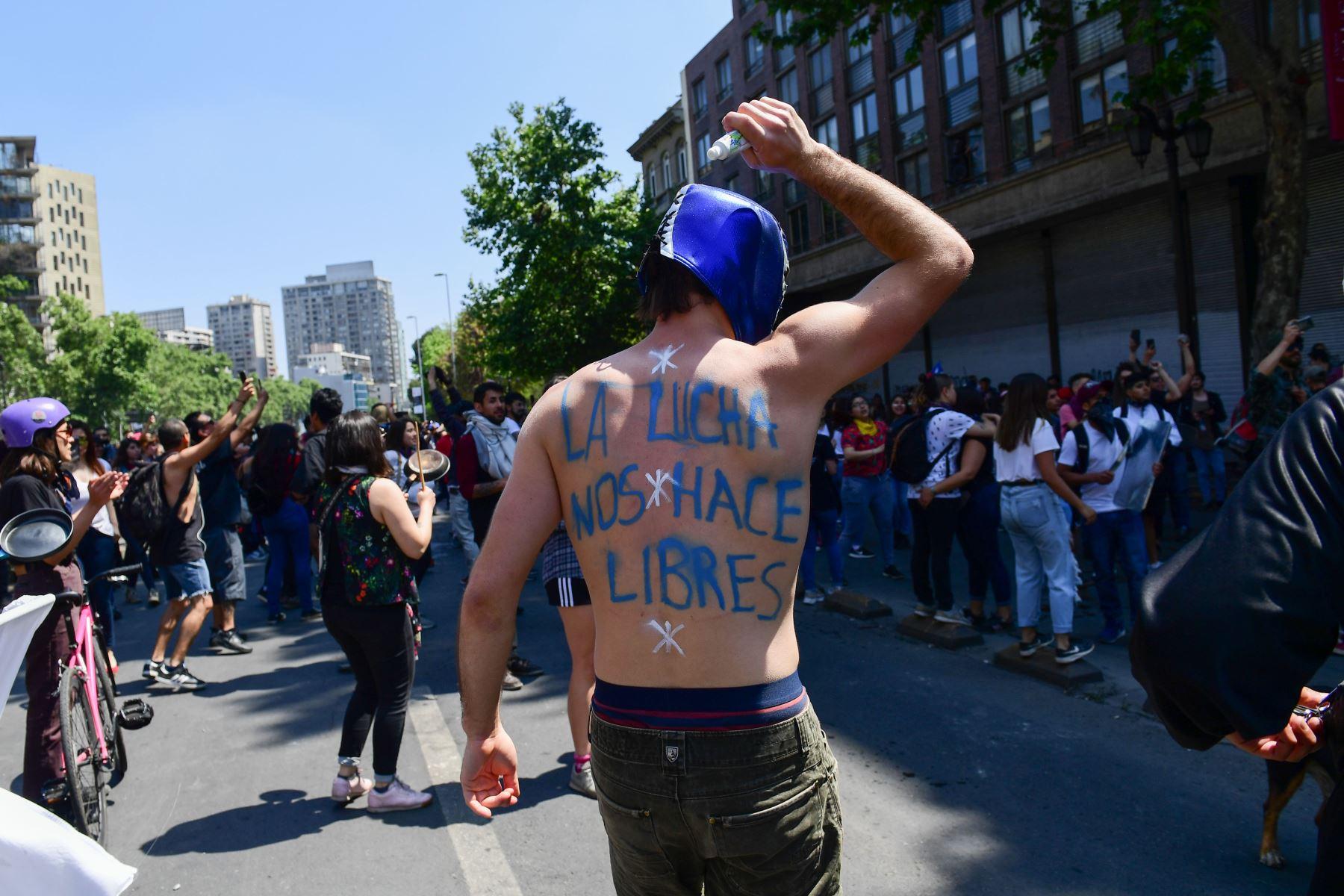Continúan protestas en Chile ante actuales condiciones sociales. Foto: AFP