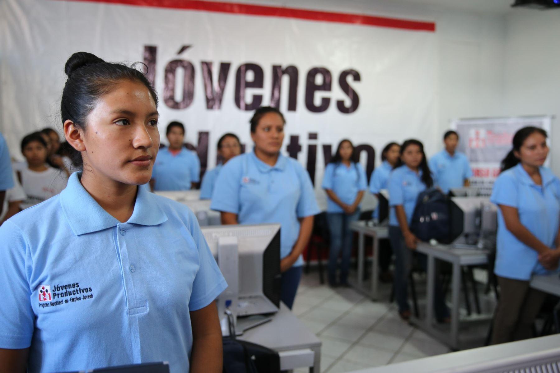 Ministerio de Trabajo ofrece 45 becas de capacitación laboral dirigido a jóvenes de Cusco. ANDINA/Difusión