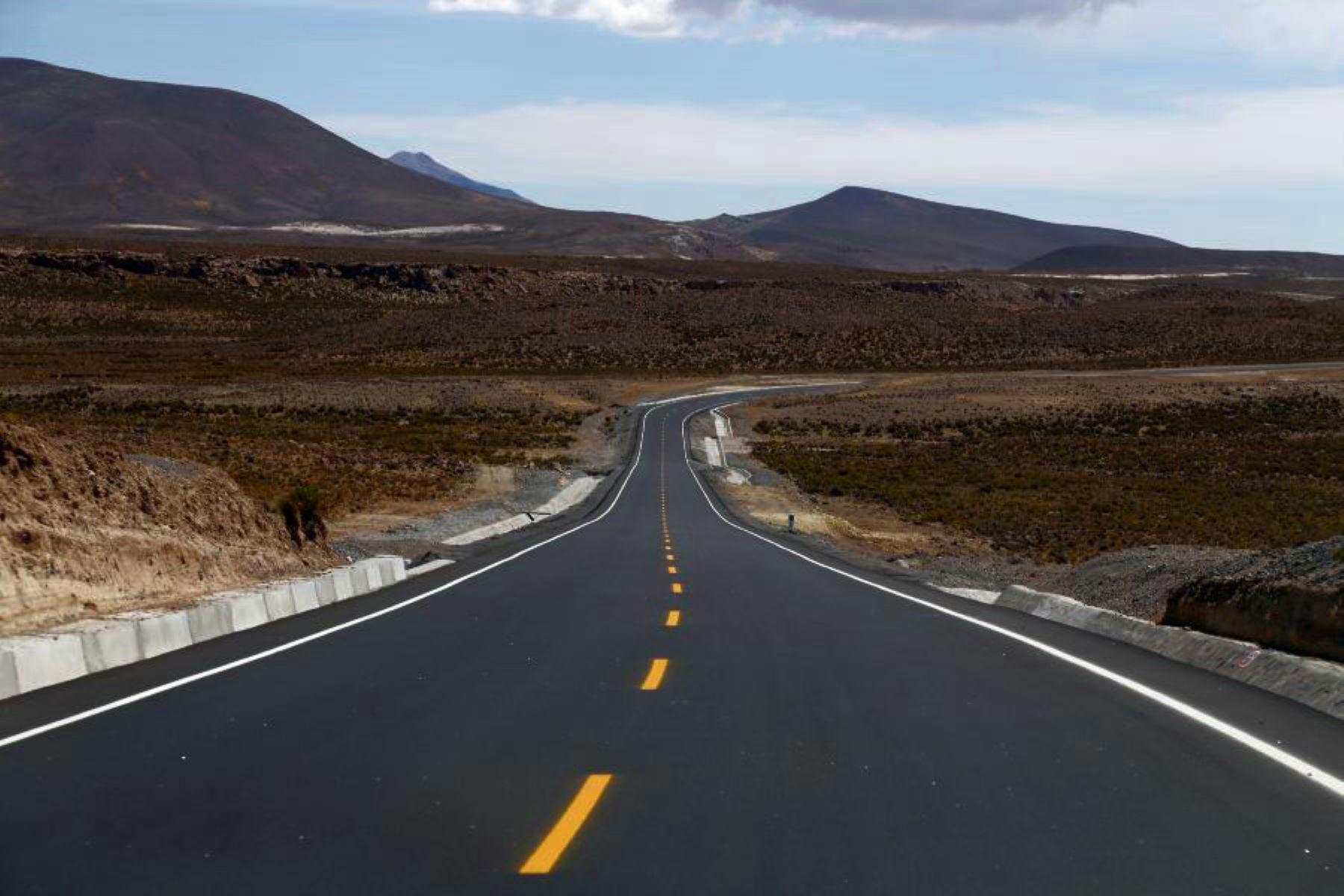 MTC resalta avances en la construcción del tramo I de la vía Tacna-La Paz. ANDINA/Difusión