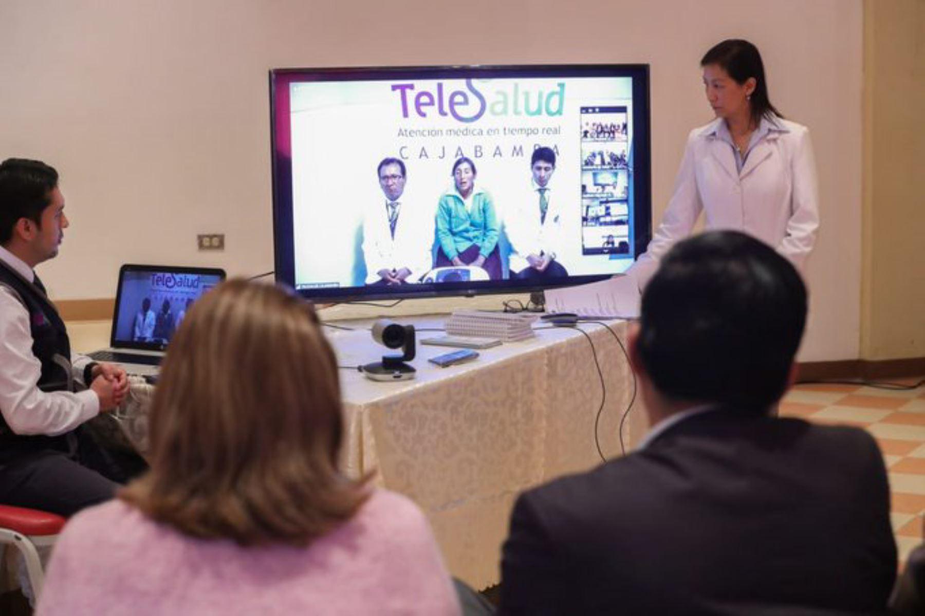 Telesalud democratiza servicios de salud y mejora calidad de vida de los peruanos, afirma presidente del Consejo de Ministros, Vicente Zeballos. ANDINA/Difusión