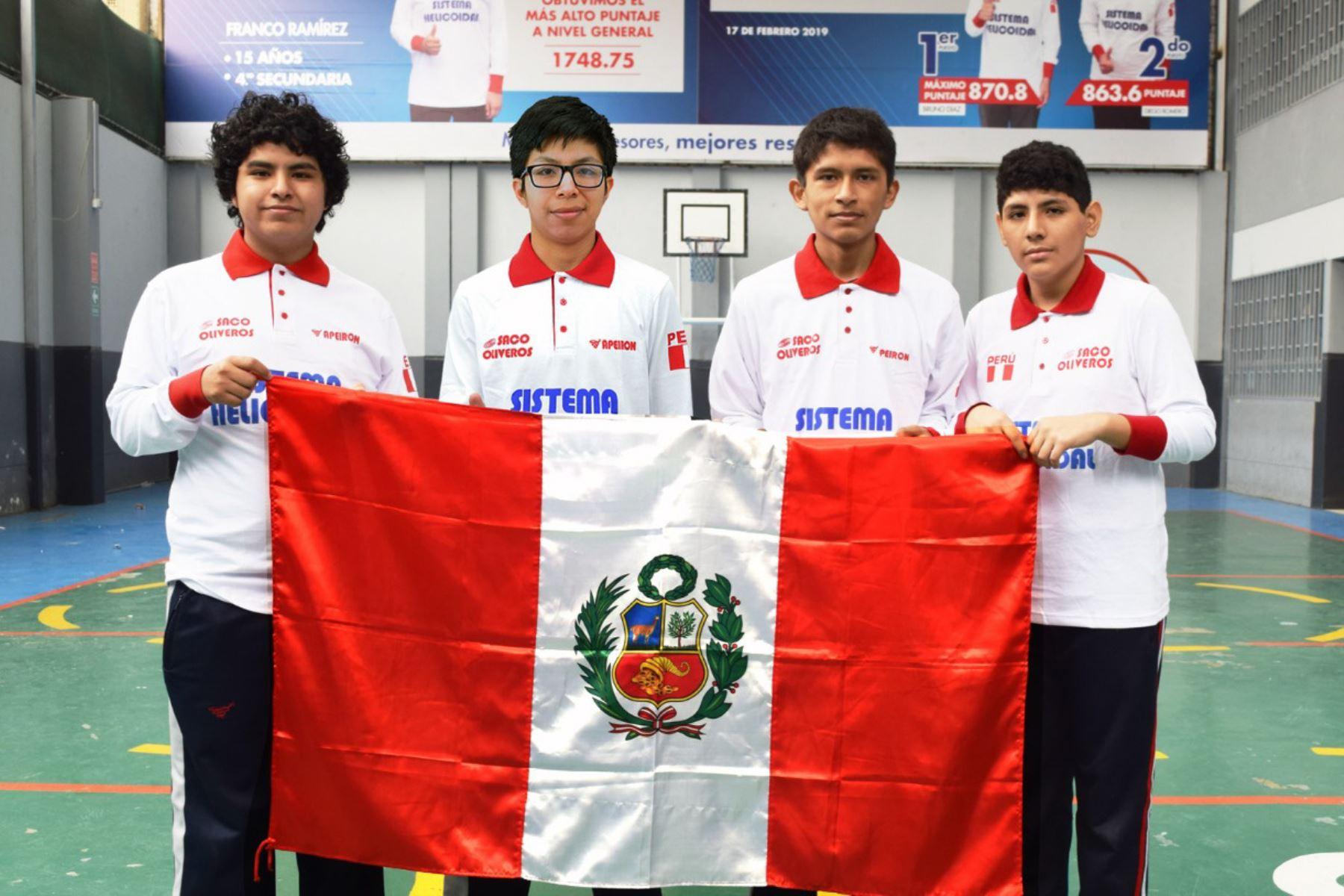 De izquierda a derecha: Joseph Altamirano, Mijaíl Gutiérrez, Joaquín Guerra y Ángelo Farfán. Foto: Cortesía/ANDINA