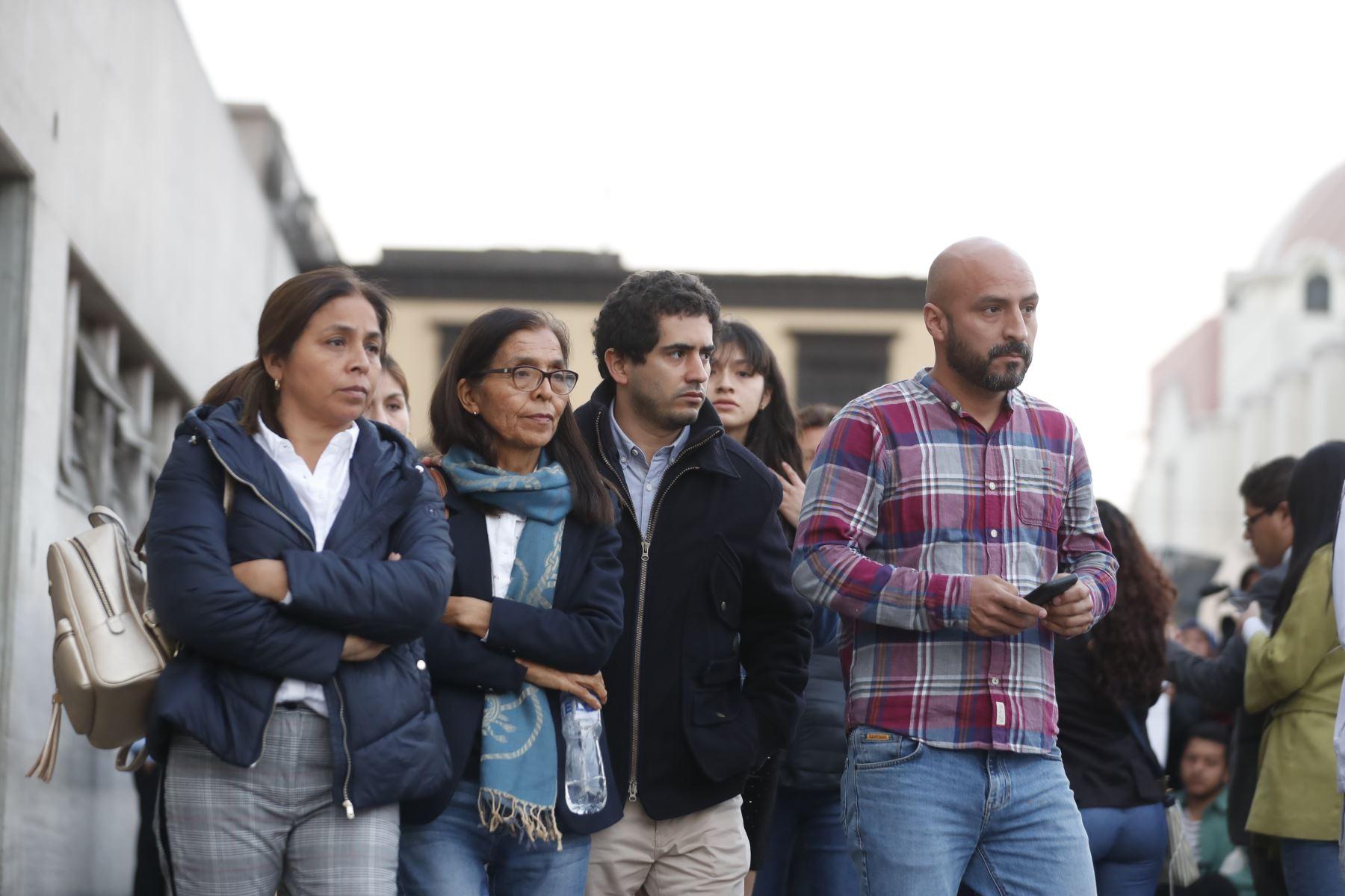 Familiares de Melisa González Gagliuffi esperan decisión de la jueza. Foto: ANDINA/Renato Pajuelo