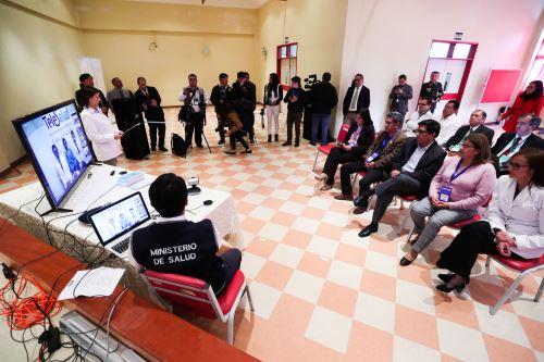 Jefe del Gabinete participó en una sesión demostrativa del sistema de TeleSalud