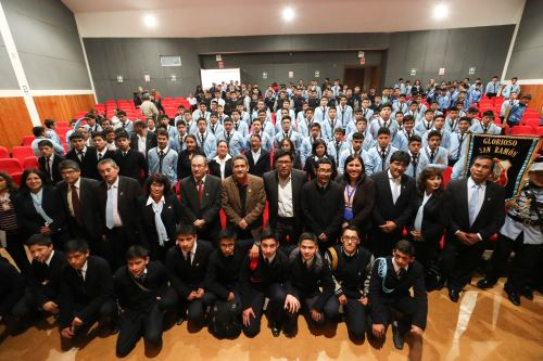 El presidente del Consejo de Ministros, Vicente Zeballos, visitó la institución educativa San Ramón de Cajamarca