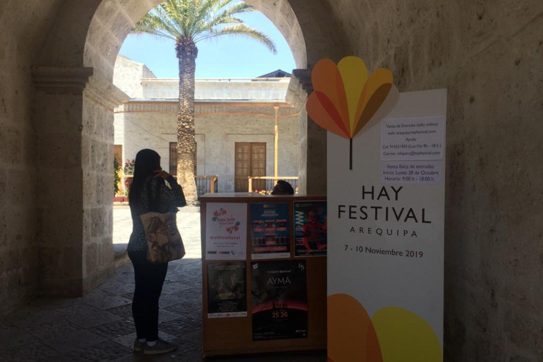 La venta física de entradas para los eventos del Hay Festival Arequipa 2019 se hará en la Biblioteca Personal de Mario Vargas Llosa. Foto: ANDINA/Rocío Méndez