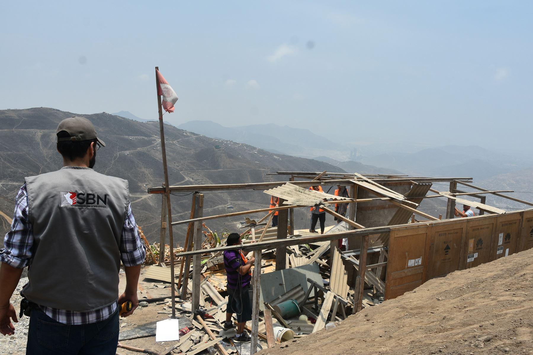 Autoridades recuperan más de 11,000 metros cuadrados de terrenos del Estado en Cañete, en Lima. ANDINA/Difusión