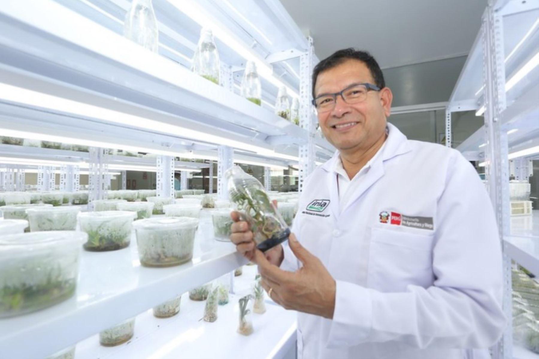 Ministro de Agricultura y Riego, Jorge Luis Montenegro. inaugura modernos laboratorios para potenciar producción agraria amazónica