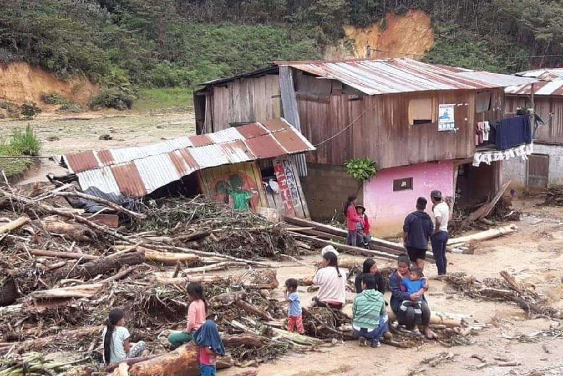 La temporada de lluvias 2019-2020 ha dejado hasta el momento 31,800 personas afectadas, otras  4,470 damnificadas, 50 fallecidos, 374 viviendas destruidas, 1,156 inhabitables y 12,966 dañadas, precisó el jefe del Instituto Nacional de defensa Civil (Indeci), Jorge Chávez.ANDINA/Difusión