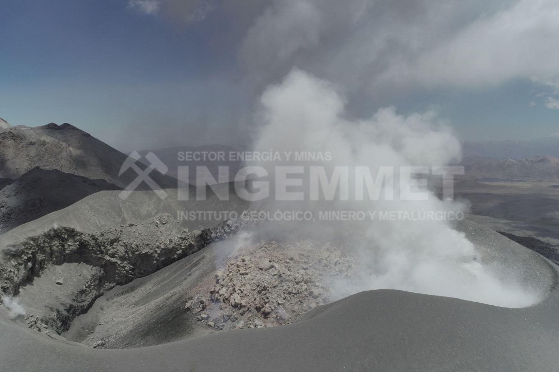 Domo de lava en el volcán Sabancaya (Arequipa) habría empezado a emplazarse en febrero del 2017, informó el Ingemmet. Foto: Ingemmet