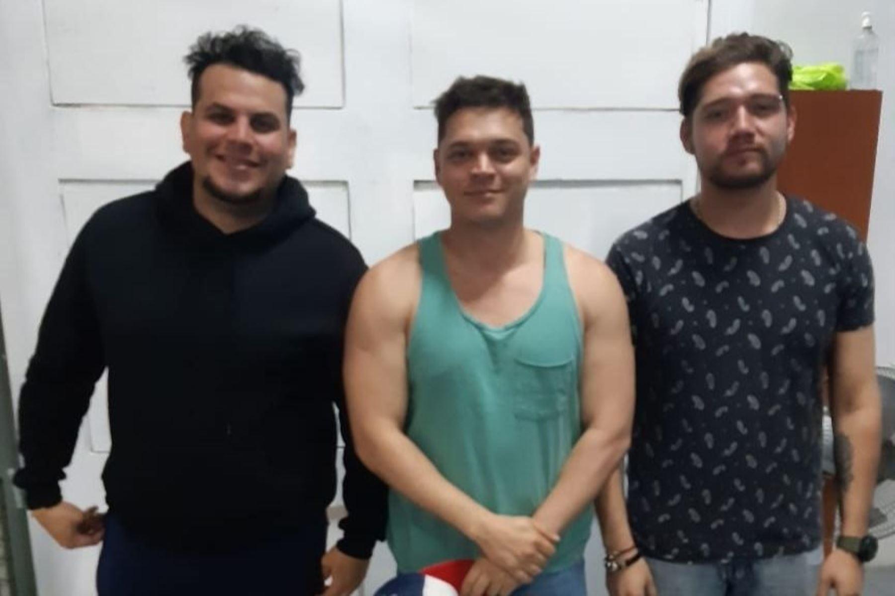 Perú expulsa a tres integrantes del grupo Los Adolescentes por ingreso ilegal