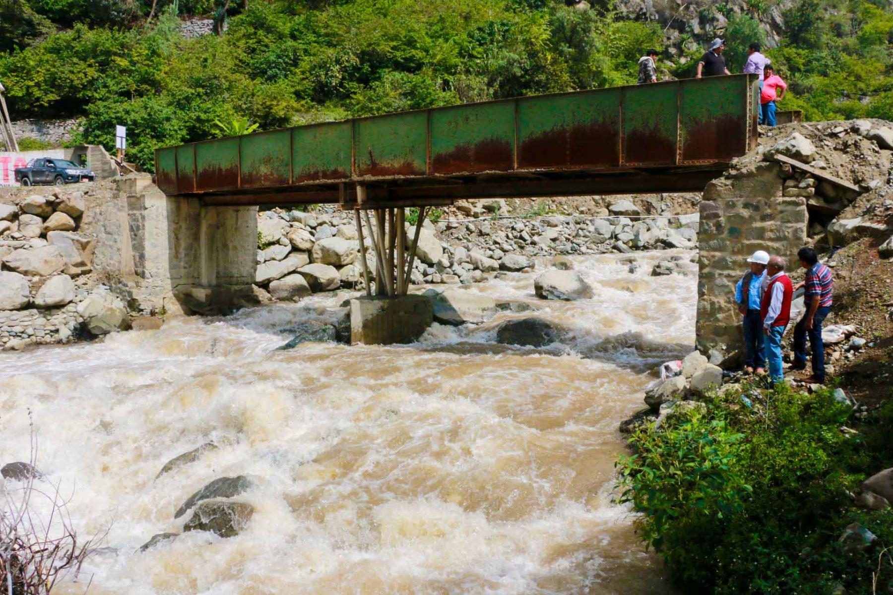 El Instituto Nacional de Defensa Civil (Indeci) recomienda medidas de preparación ante el aviso hidrológico N° 034 del Senamhi, que alerta sobre el incremento del caudal del río Cañete, debido a las continuas precipitaciones de moderada a fuerte intensidad ocurridas sobre su cuenca. ANDINA/Difusión