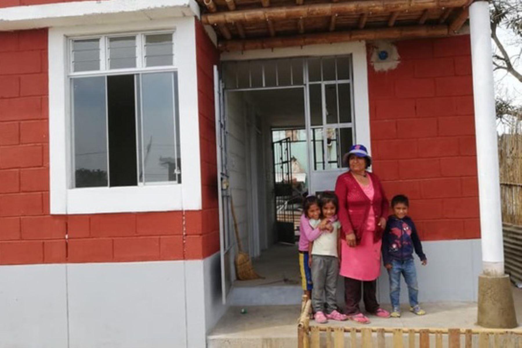 El diseño Sumaq Wasi para las familias rurales tiene un área construida de 30 metros cuadrados en albañilería armada.