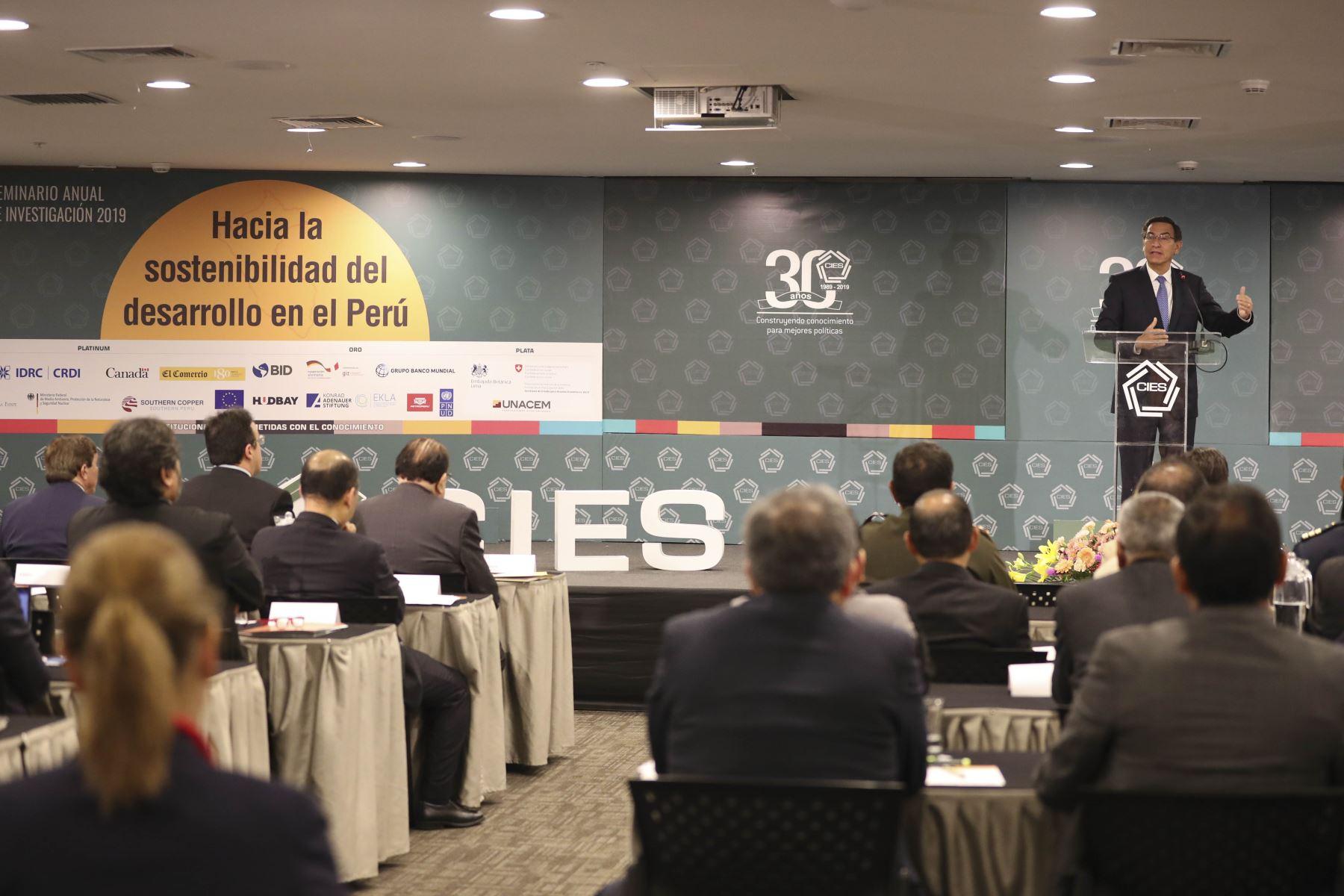 Presidente de la República, Martín Vizcarra, inauguró el XXX Seminario Anual de Investigación del Consorcio de Investigación Económica y Social - CIES 2019. Foto: ANDINA/Prensa Presidencia