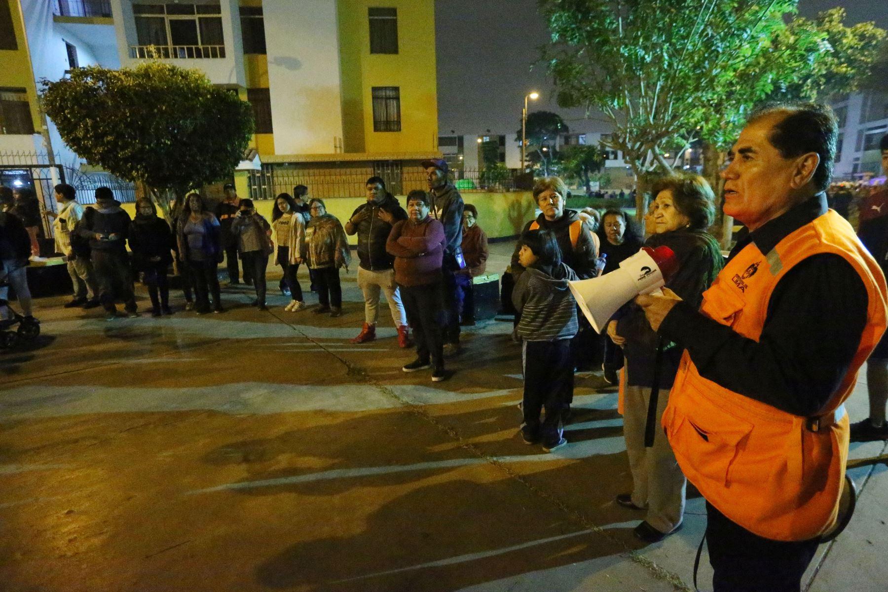 Para conmemorar el día internacional de la concienciacion ante Tsunamis, la Municipalidad de la Lima organiza el Simulacro Nacional por Sismo seguido de Tsunami en el Litoral Peruano y Multipeligro en el interior del país. Foto :ANDINA /Eddy Ramos