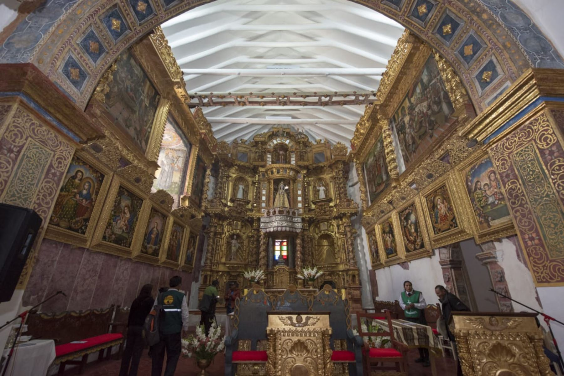 Templo colonial San Juan Bautista de Coporaque, una joya que vuelve a brillar - Agencia Andina