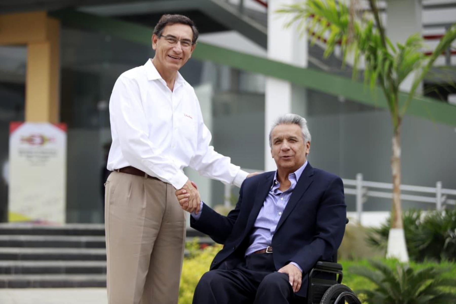 Martín Vizcarra y Lenín Moreno inician Encuentro Presidencial en Tumbes. Foto: Prensa Presidencia