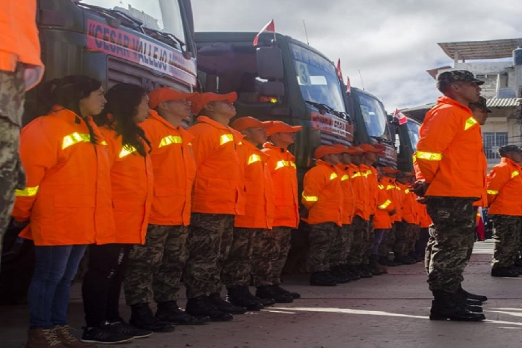 Acompañado por el comandante general del Ejército, general del Ejército Jorge Céliz Kuong; el ministro Martos supervisará la partida del Covac hacia Morropón, donde brindará atención a las poblaciones más necesitadas.