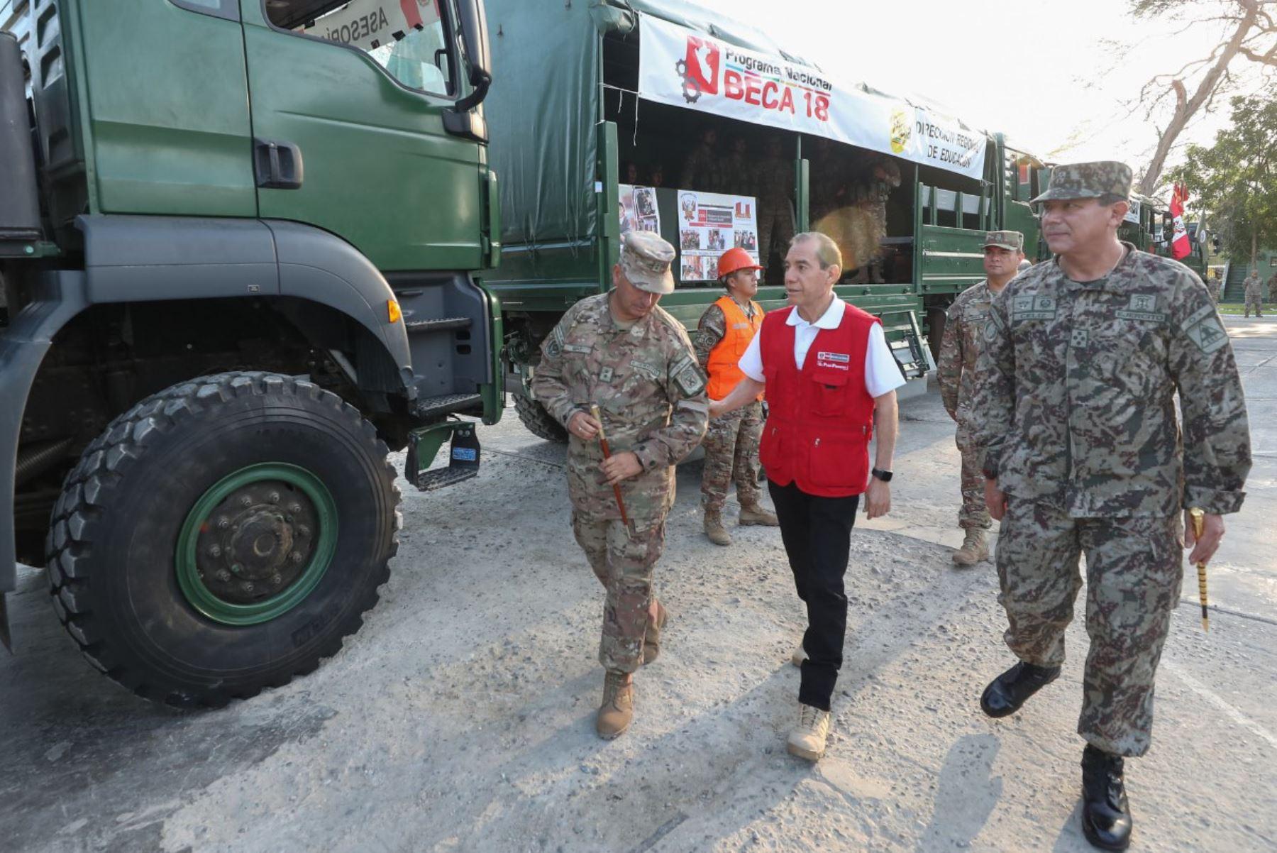 Ministro de Defensa presentó hoy en Piura el convoy de acción cívica del Ejército para apoyar a población vulnerable de esa región.
