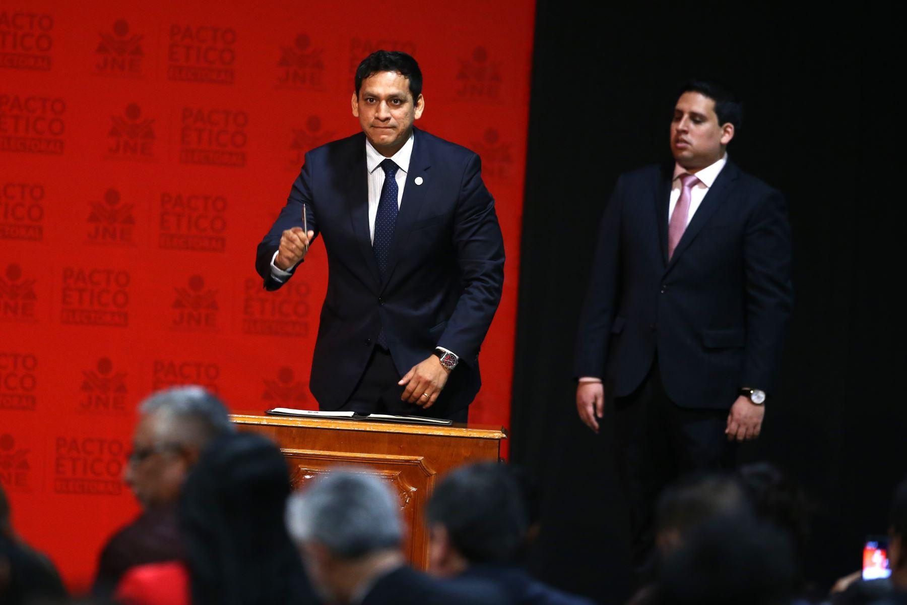 Luis Valdez representantes del Partido alianza para el Progreso participa en firma del Pacto Ético Electoral. Foto: ANDINA/Vidal Tarqui