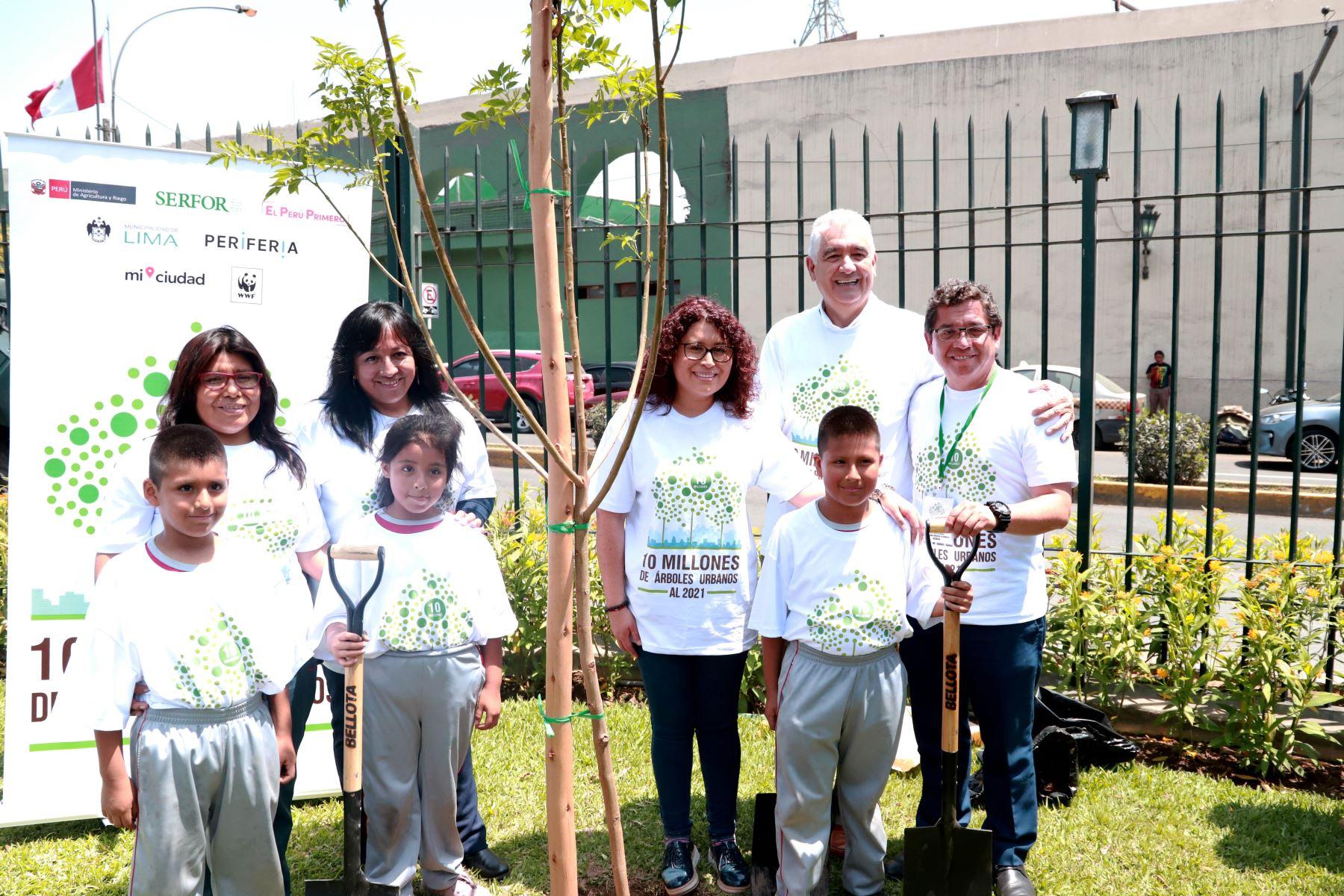 Con participación de la comunidad, hoy comenzó campaña para sembrar 10 millones de árboles urbanos hasta el 2021.