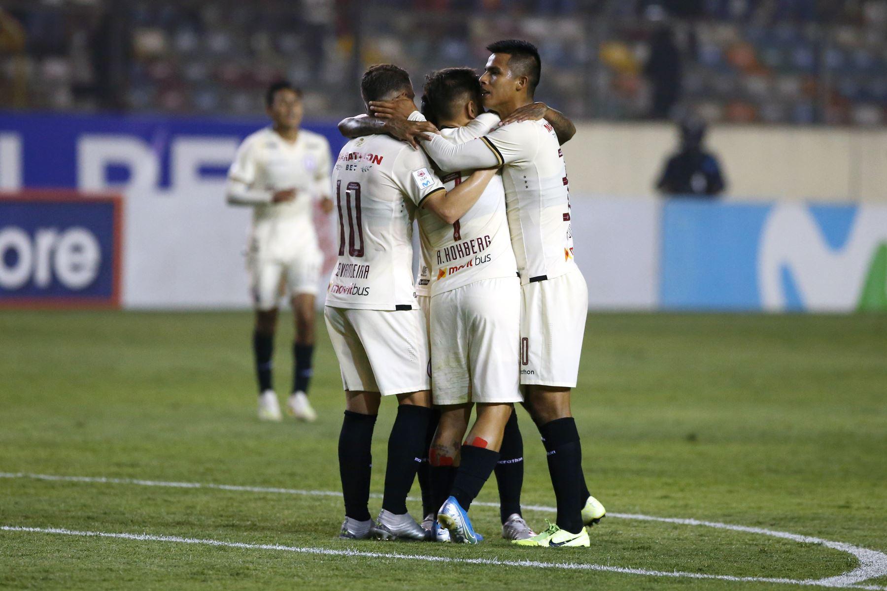 Universitario gana por 3 a 2 al Ayacucho FC. Foto: ANDINA/Vidal Tarqui