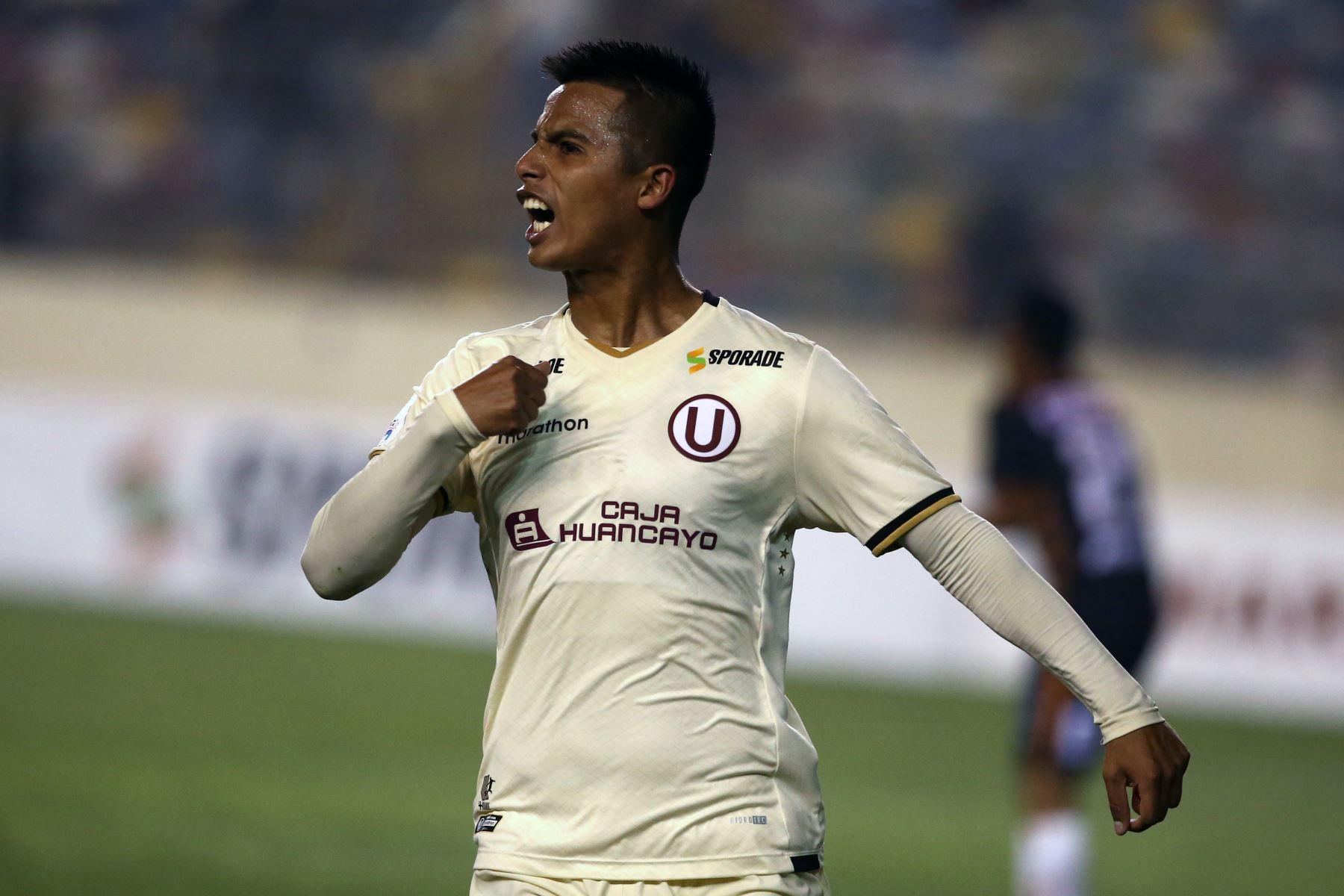 Anthony Osorio celebra el gol de Universitario ante Ayacucho FC. Foto: ANDINA/Vidal Tarqui