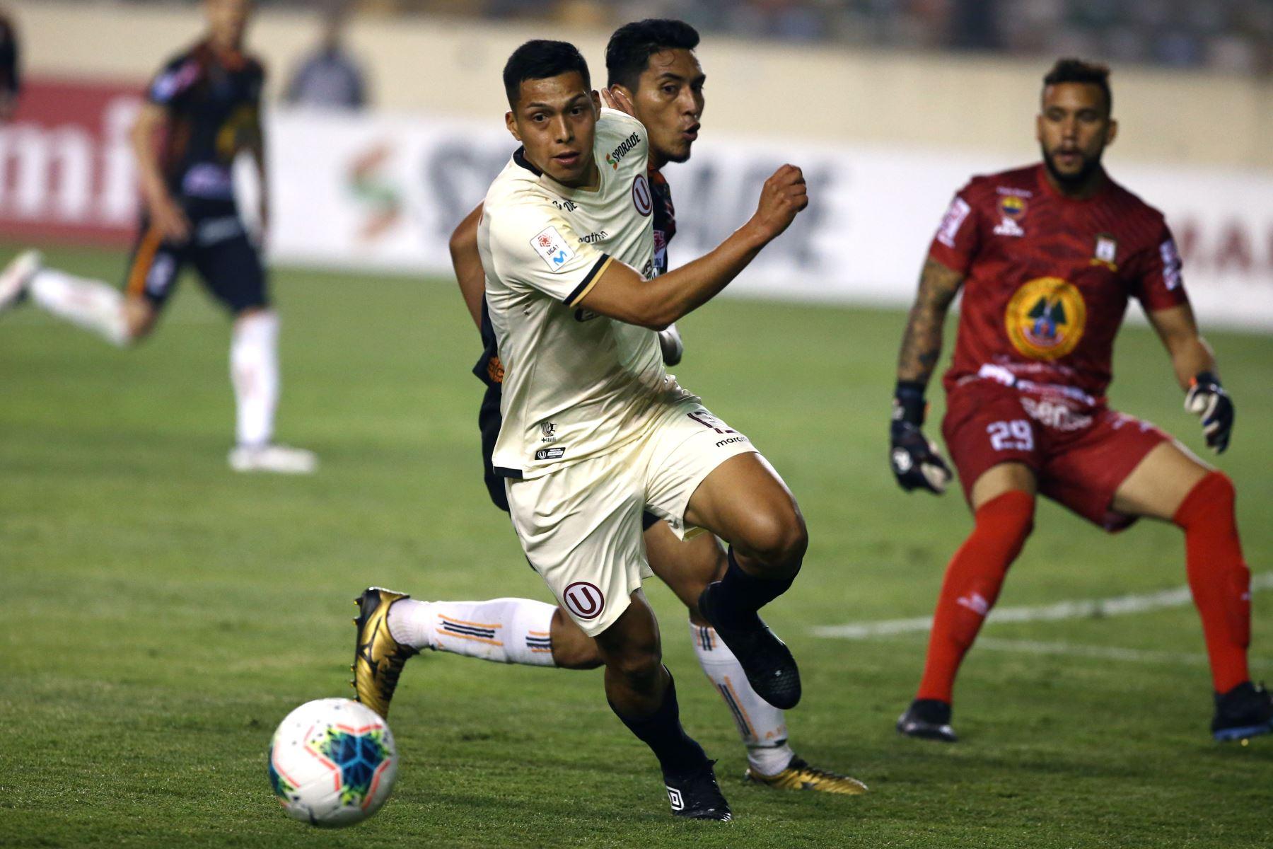 Universitario gana por 3 a 2 al Ayacucho FC. Foto: Foto: ANDINA/Vidal Tarqui
