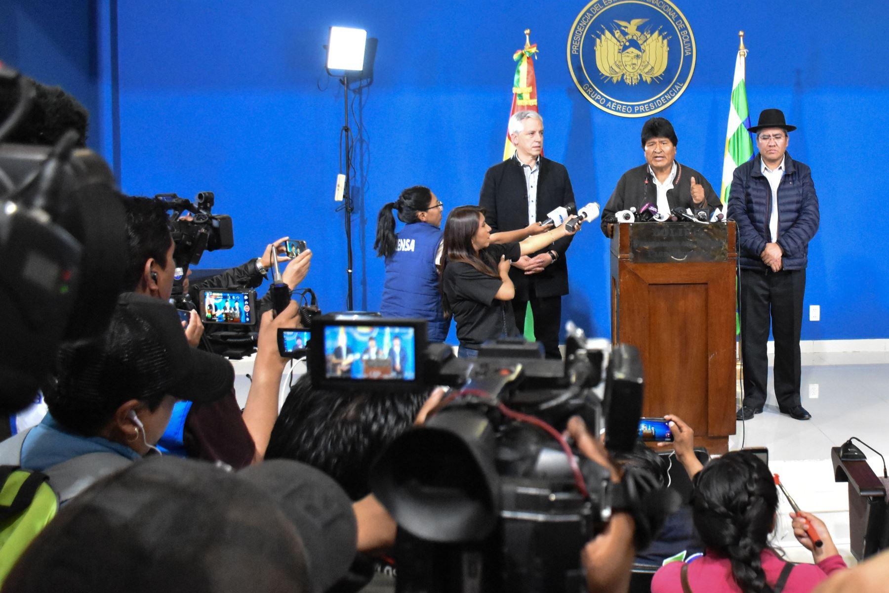 En conferencia de prensa, el presidente Evo Morales convoca a nuevas elecciones en Bolivia. Foto: Agencia Boliviana de Información