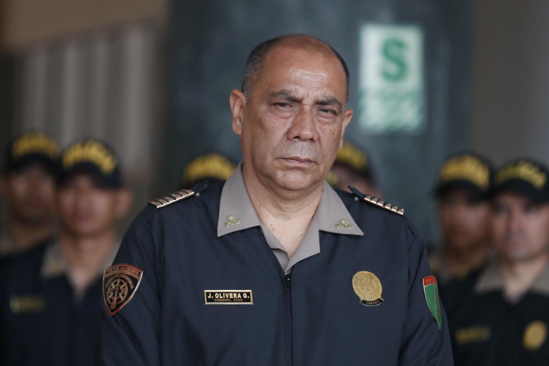 El Poder Ejecutivo, a través del Ministerio del Interior, reasignó en sus funciones a generales del Alto Mando de la Policía Nacional del Perú (PNP). Coronel Juan Olivera Garcia en conferencia de prensa. Foto: ANDINA/Renato Pajuelo