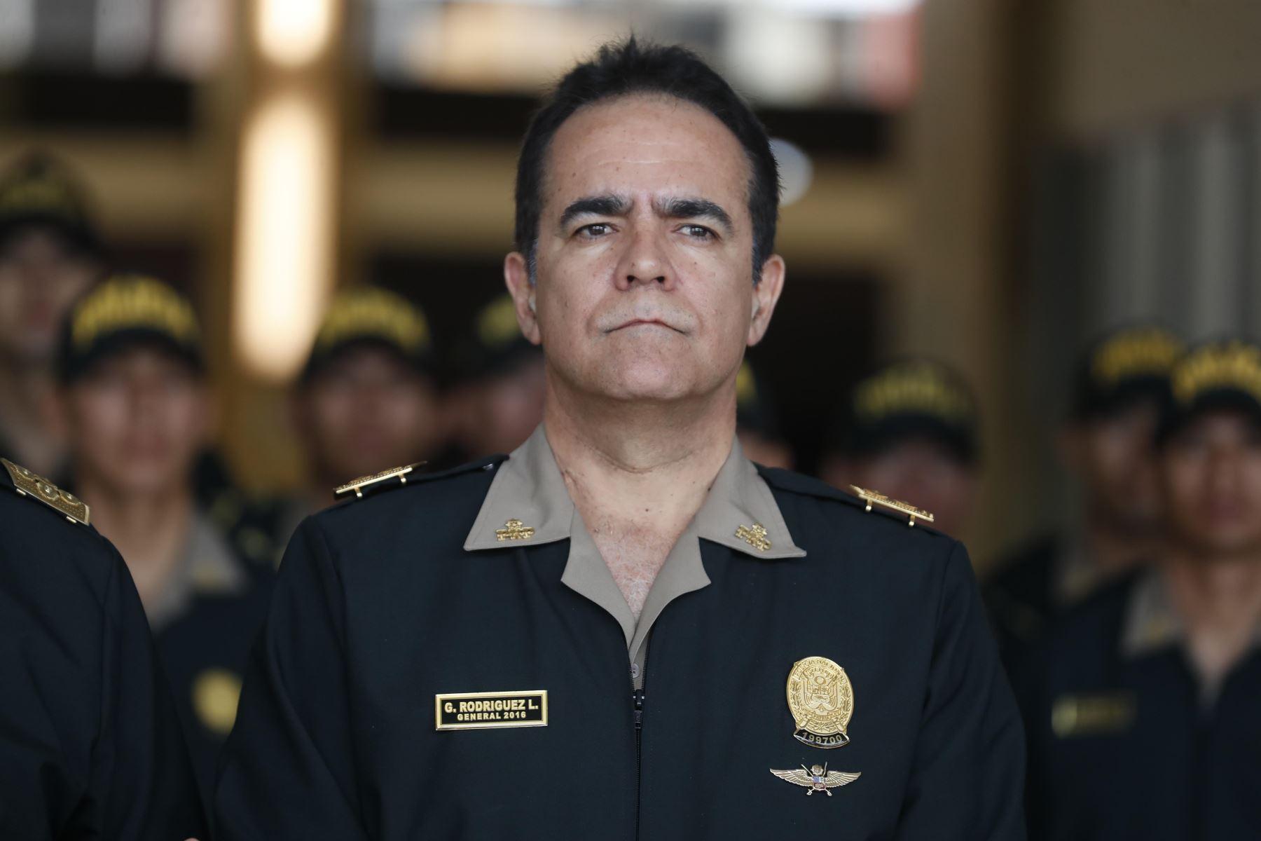 El Poder Ejecutivo, a través del Ministerio del Interior, reasignó en sus funciones a generales del Alto Mando de la Policía Nacional del Perú (PNP). Participa en la conferencia de prensa General Gastón Rodríguez. Foto: ANDINA/Renato Pajuelo
